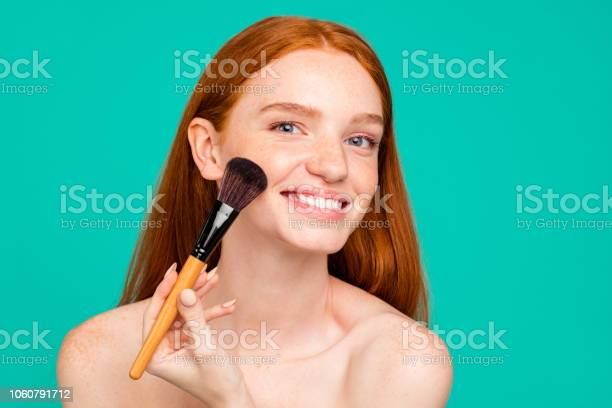 Advertising concept portrait of nice perfect redhaired girl with picture id1060791712?b=1&k=6&m=1060791712&s=612x612&h=nfprwx04jtokwkimwprlgt  7spsyo1e8xkt8hwehxs=