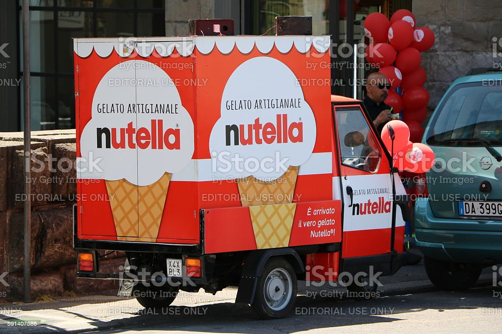 Advertising for Nutella Ice Cream in Florence, Italy - foto stock