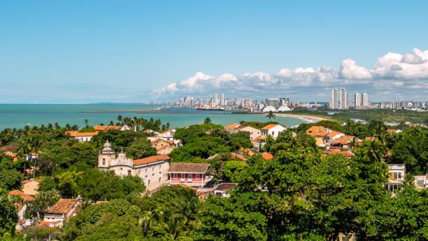 aerial edifícios e vista da praia de olinda e recife, pernambuco, brasil - recife e olinda - fotografias e filmes do acervo