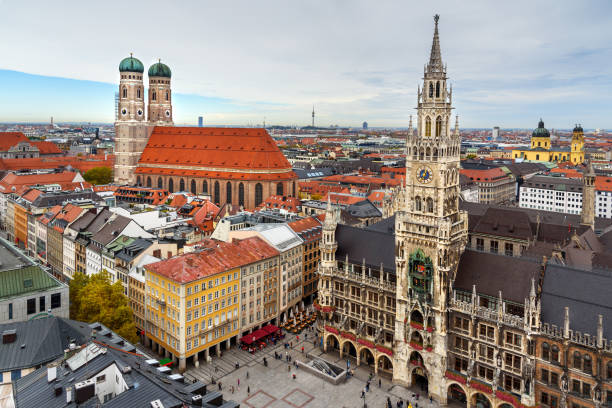 aerial cityscape of munich historical center with new town hall on marienplatz and frauenkirche. germany - marienplatz foto e immagini stock