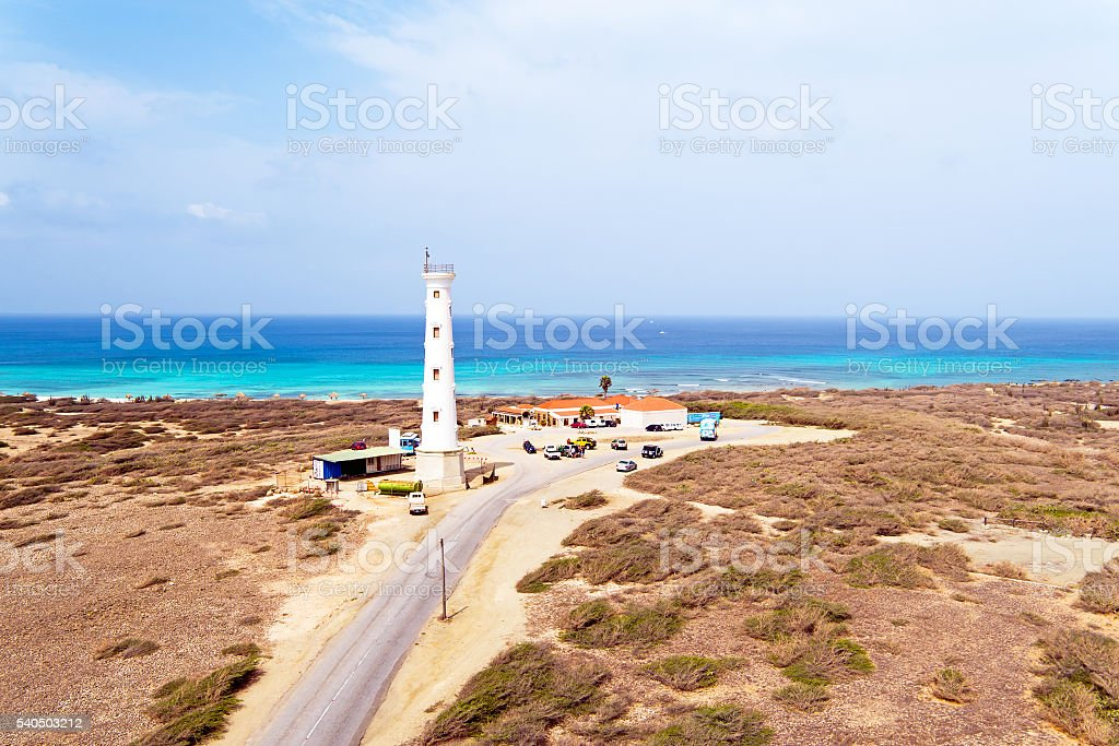 Widok z lotu ptaka z Kalifornia Lighthouse na Arubie wyspa – zdjęcie