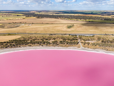 Find Out Amazing About Lake Hillier Australia In 2 Minutes