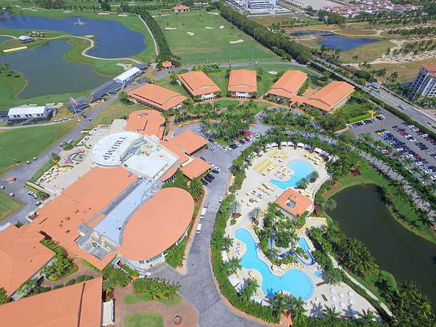 aerial image trump national resort and golf course doral - trump stockfoto's en -beelden
