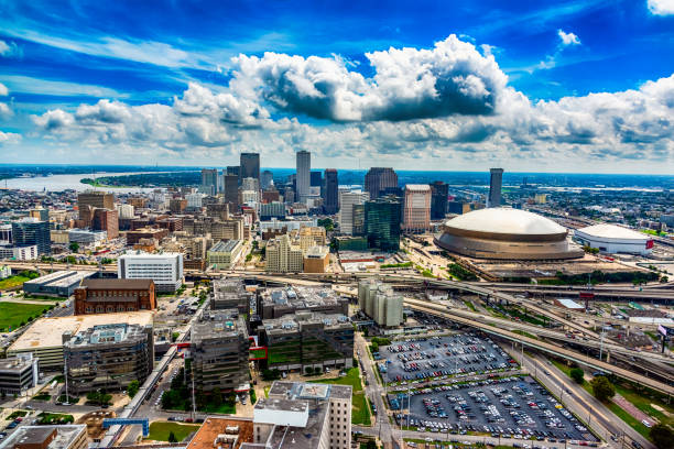 aerial new orleans scenic - flugzeugperspektive stock-fotos und bilder