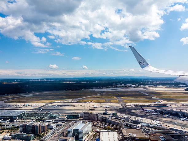 aerial of airport in frankfurt germany - luchthaven frankfurt am main stockfoto's en -beelden