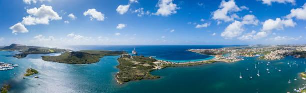 Luftbild Blick auf die spanische Wasserbucht und das karibische Meer in Curacao – Foto