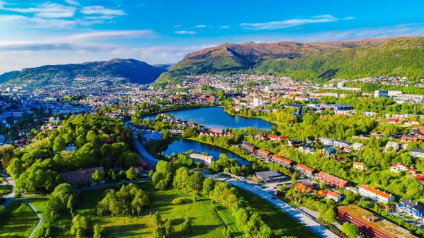 Photo aérienne de la ville de Bergen. Hordaland, Norvège. - Photo