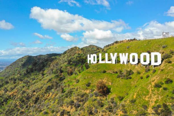flyg foto av hollywood underteckna en världs berömd turistmål - hollywood sign bildbanksfoton och bilder