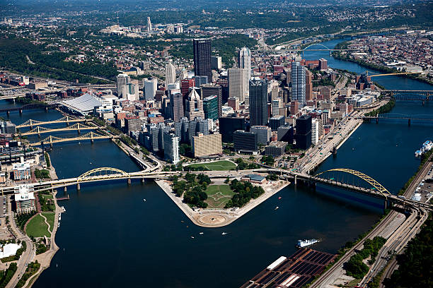 Aerial photograph of Pittsburgh PA skyline Pittsburgh Skyline pittsburgh stock pictures, royalty-free photos & images
