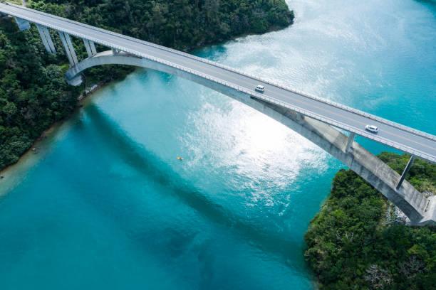 flygfotografi över vackra havet och bron. - bridge bildbanksfoton och bilder