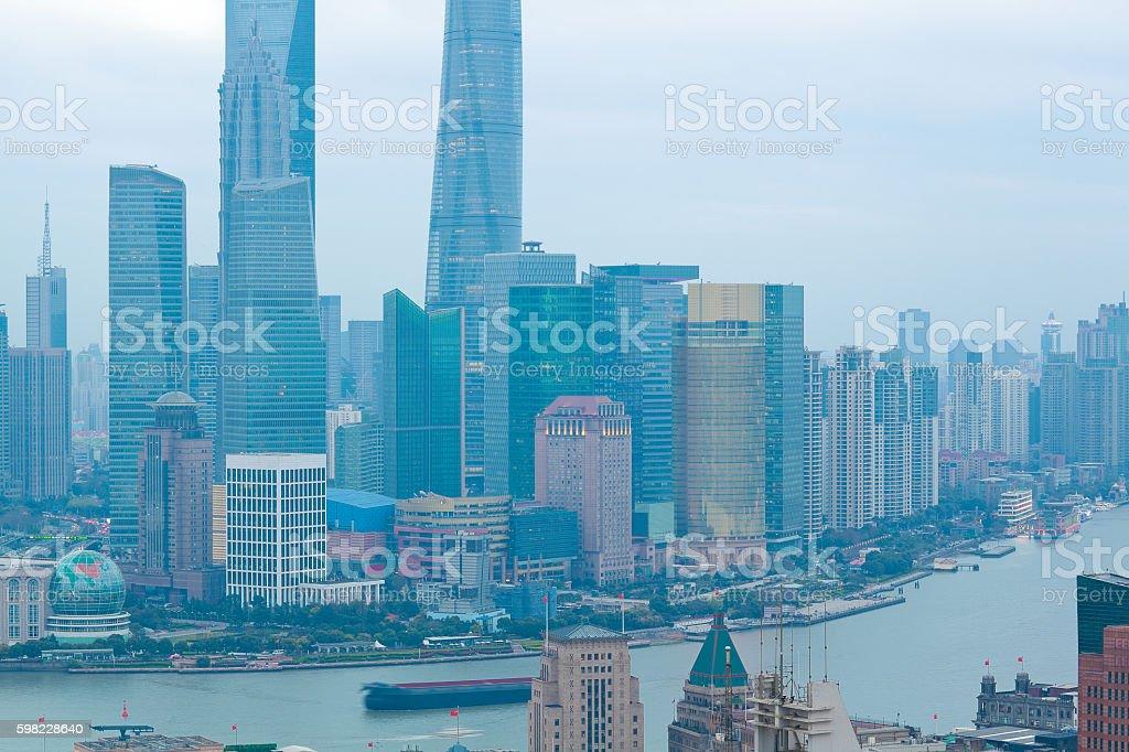 Fotografia aérea do horizonte de Xangai e da dique foto royalty-free