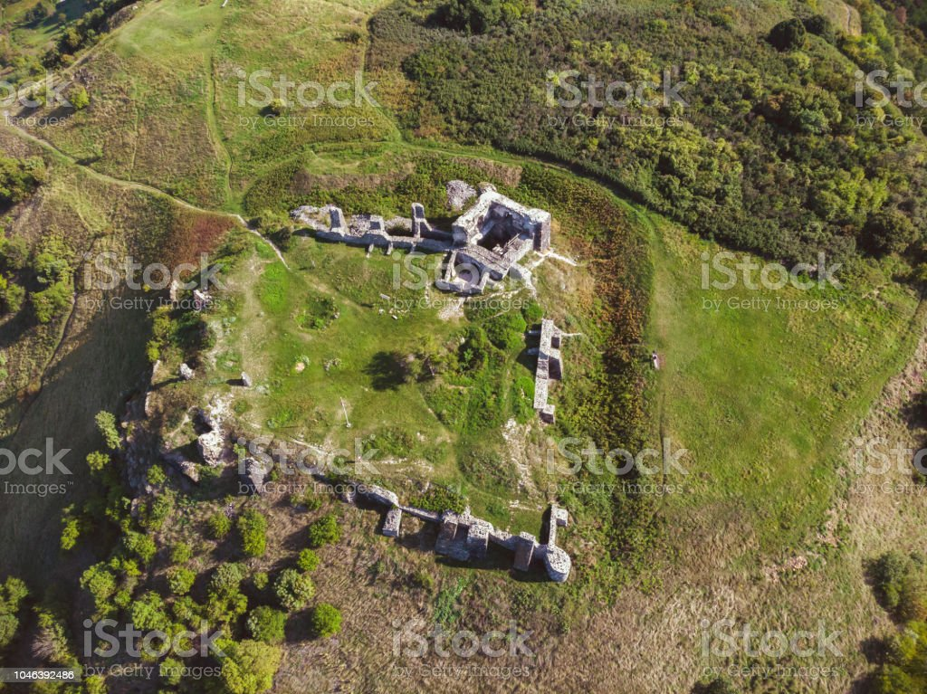 Aerial picture from a ancient castle ruin from Hungary on the volcano hill Csobanc, near lake Balaton – zdjęcie