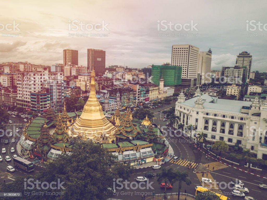 Aerial Gesichtspunkt der Sule-Pagode in Yangon Stadt, Myanmar – Foto