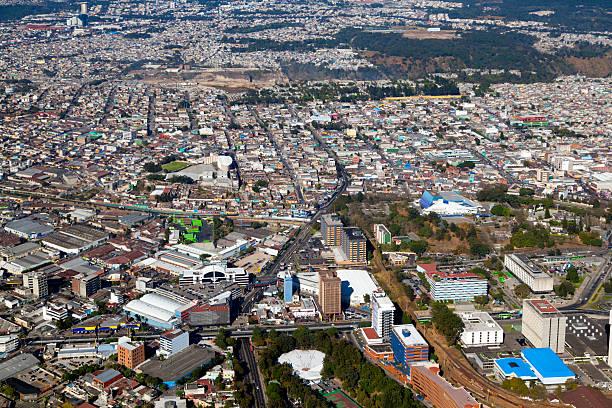 luftaufnahme von zona 2, guatemala-stadt, guatemala. - guatemala stadt stock-fotos und bilder