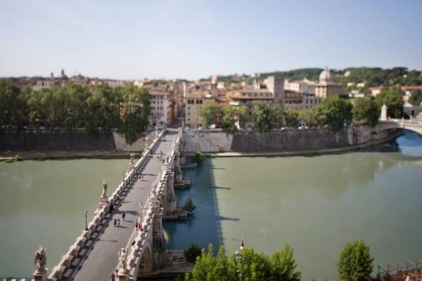 aerial tilt shift view of ponte sant'angelo - roma foto e immagini stock