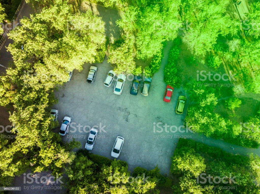 aerial top down view of parking in the yard zbiór zdjęć royalty-free