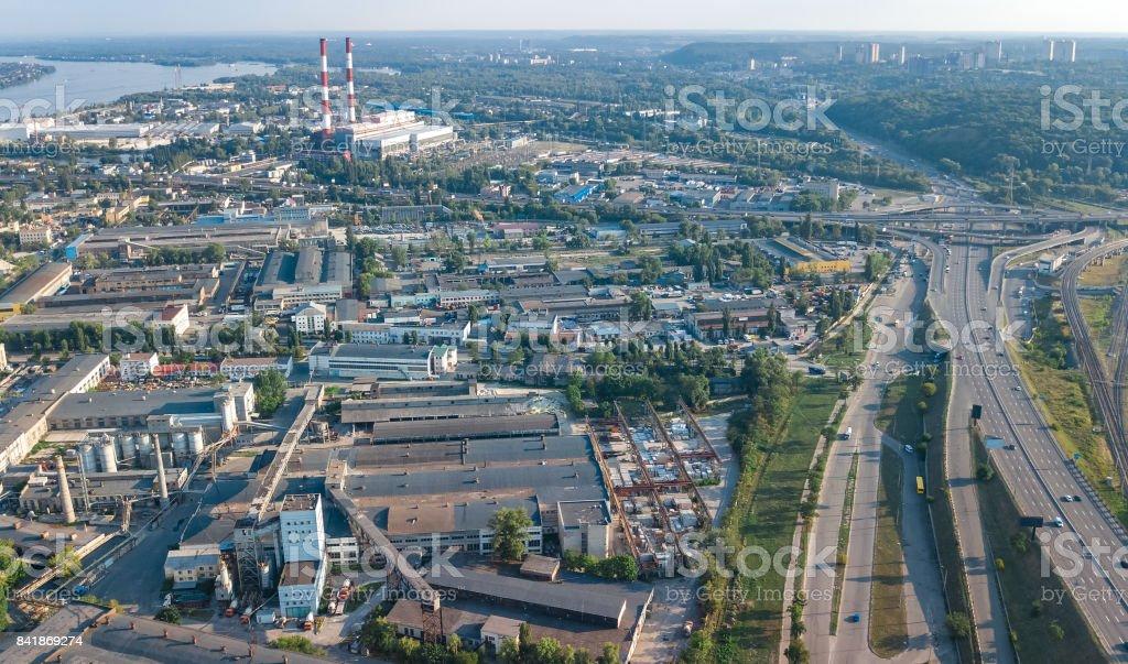 キエフ ウクライナの工業地区倉庫工場の煙突の上から工業団地ゾーンの ...