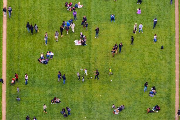 公園の人々 の群衆を空撮 ストックフォト
