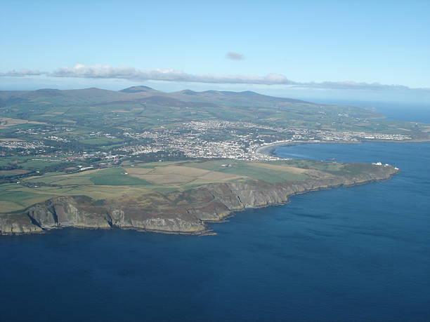 aerial view douglas, isle of man - fsachs78 stockfoto's en -beelden