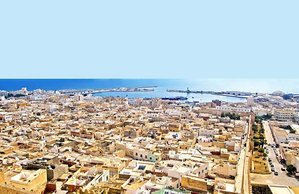 luftaufnahme von mittelalterlichen festung, tunesien, afrika - urlaub in tunesien stock-fotos und bilder