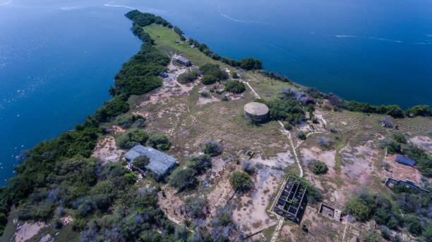 vista aérea de las islas un lago - maracaibo fotografías e imágenes de stock