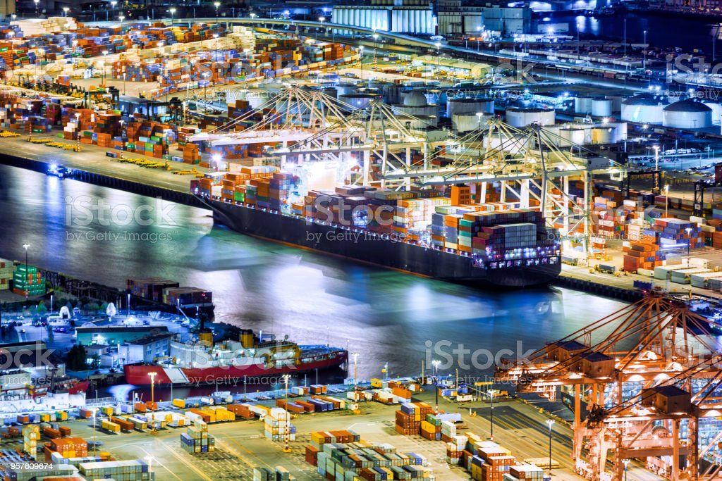 Vista aérea de un buque de carga - foto de stock
