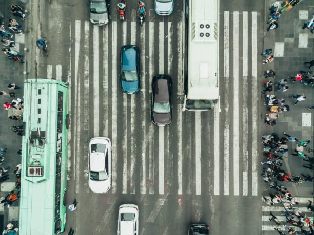 luftaufnahme von einer kreuzung in mexiko-stadt - bahn bus stock-fotos und bilder