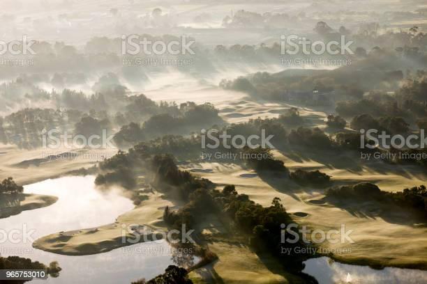 Aerial View Of A Golf Course - Fotografias de stock e mais imagens de Amanhecer