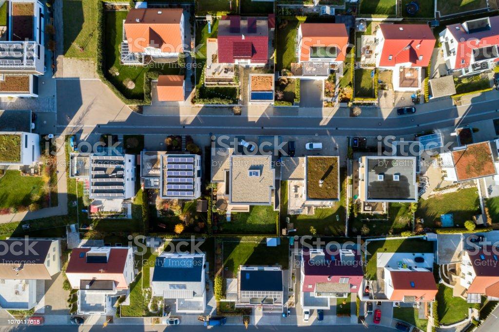 Luftaufnahme von einer neuen Wohngegend – Foto