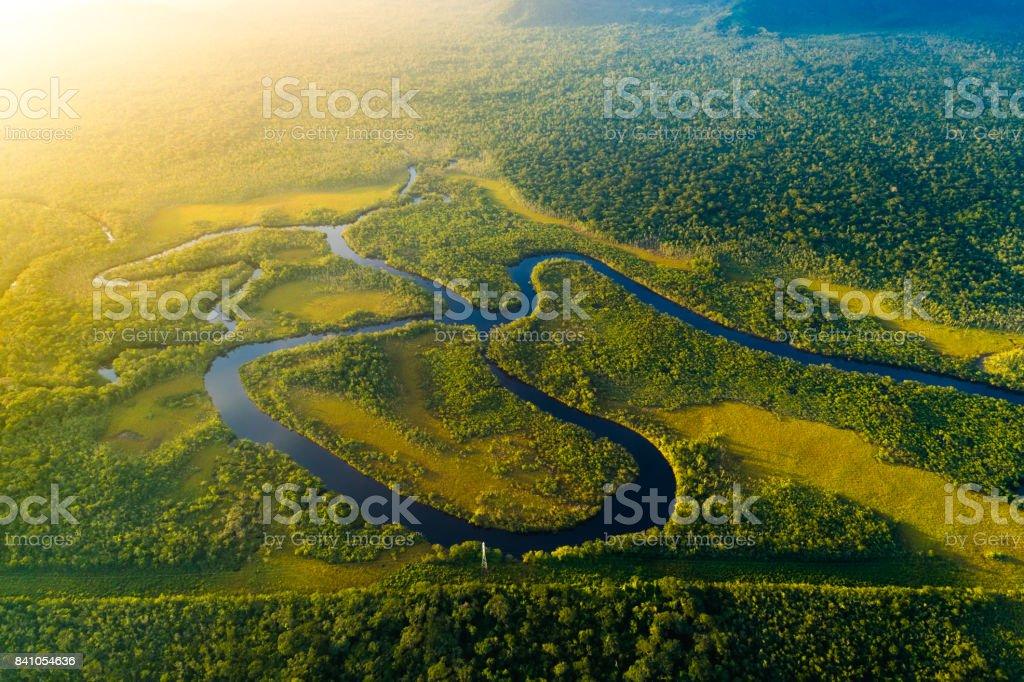 Vista aérea de una selva tropical en Brasil - foto de stock