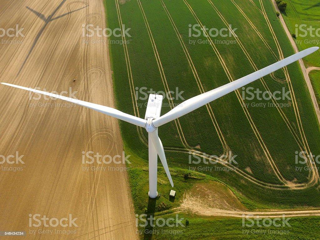 Luftaufnahme von einem Windturbine der Landwirtschaft-Feld – Foto
