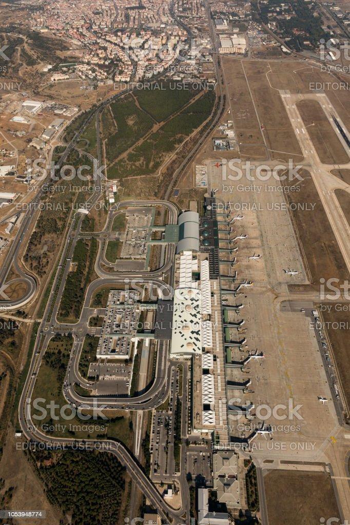 Adnan Menderes Hava Limanı hava görünümünü yolcu ile Izmir Türkiye uçak. stok fotoğrafı