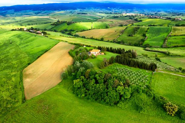 Luftaufnahme der landwirtschaftlichen Felder, Chianti-Region, Toskana, Italien – Foto