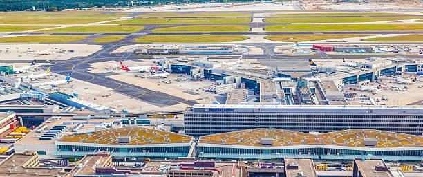 aerial view of airport frankfurt with terminal 1 - luchthaven frankfurt am main stockfoto's en -beelden