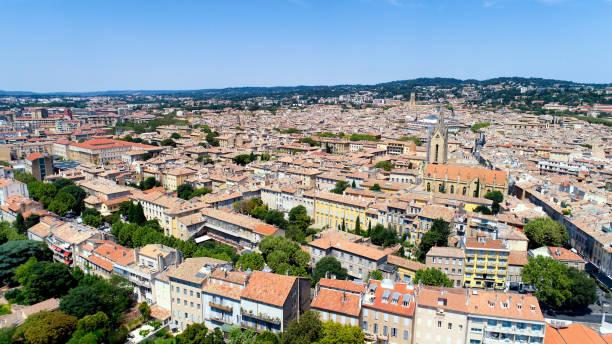 vue aérienne de la ville de aix en provence - aix en provence photos et images de collection