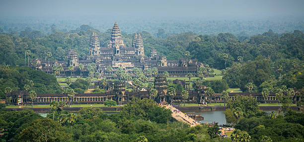 Luftbild von Angkor Wat Tempel in Kambodscha – Foto