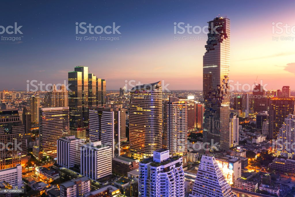 Aerial view of Bangkok modern office buildings - foto stock