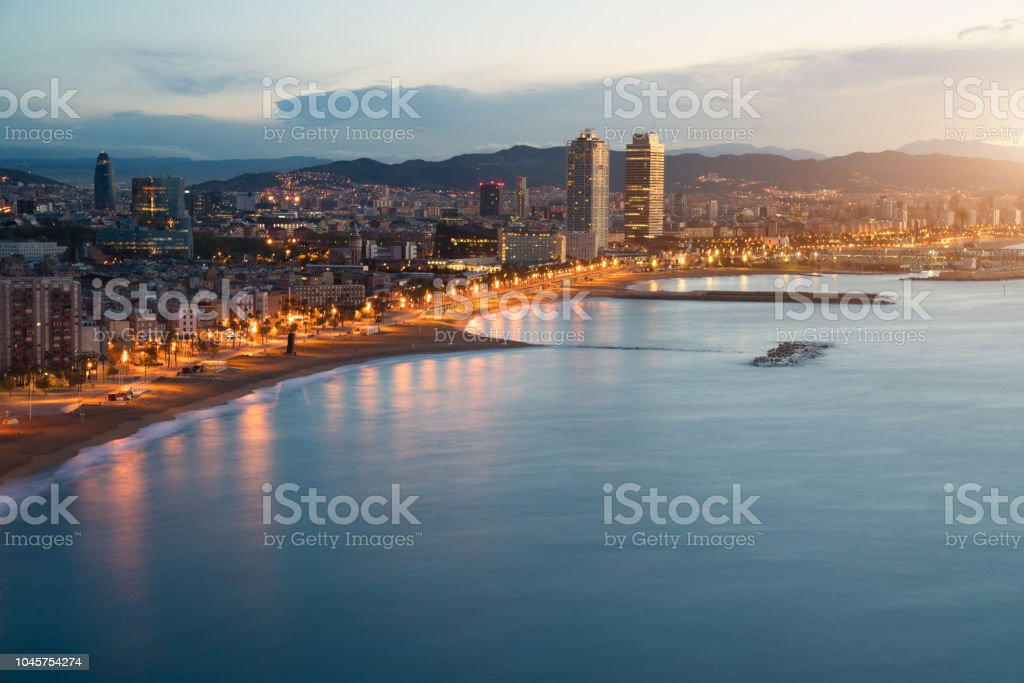 Luftaufnahme Von Barcelona Strand In Sommernacht Am Strand In