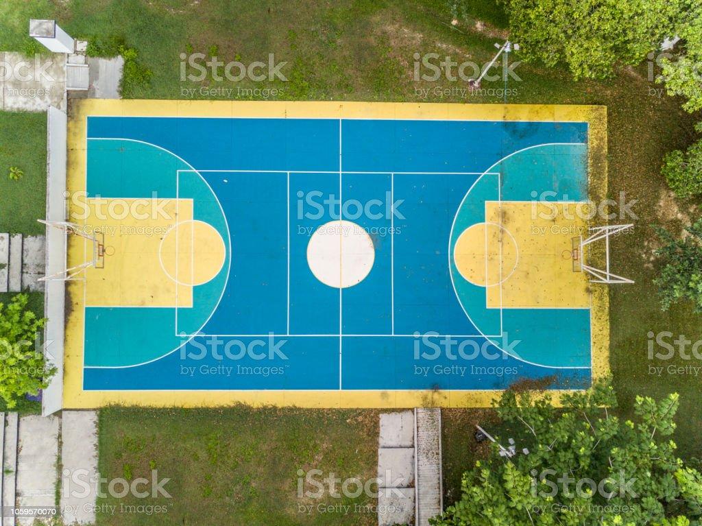 Vista aérea de la cancha de baloncesto - foto de stock