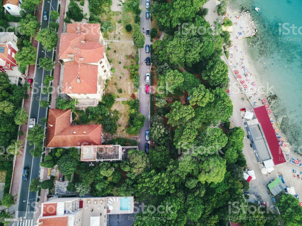 Luftaufnahme von Beach & Resort Stadt in Kroatien - Lizenzfrei Adriatisches Meer Stock-Foto