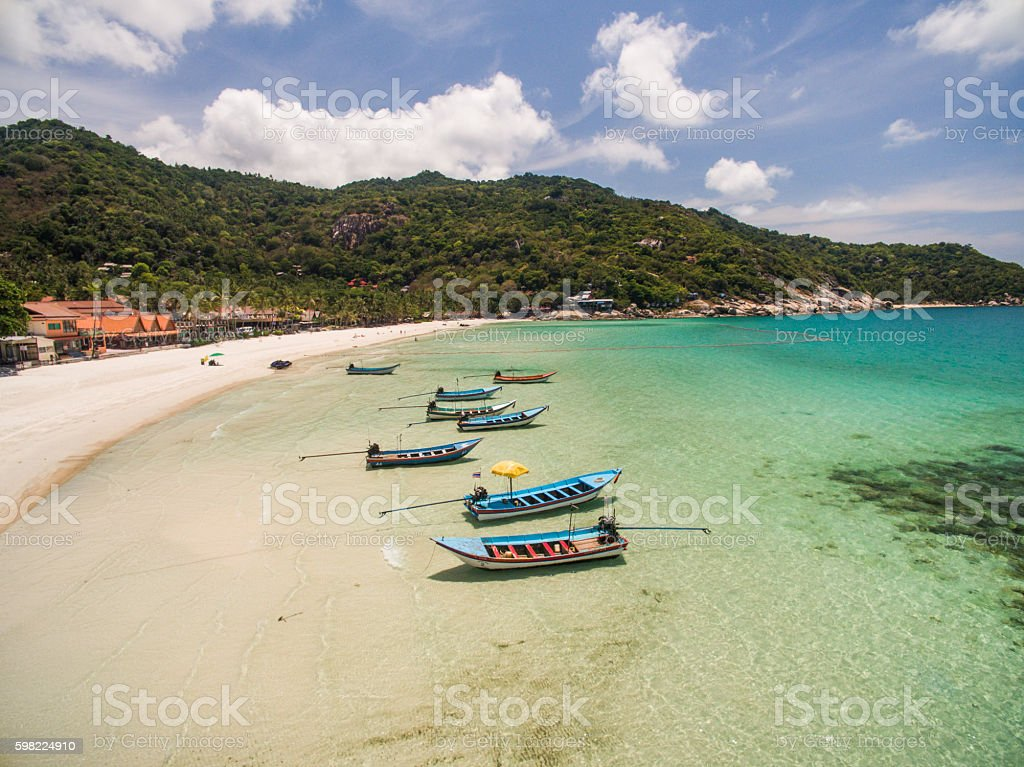 Aerial view of beach boat Koh Phangan Thailand foto royalty-free