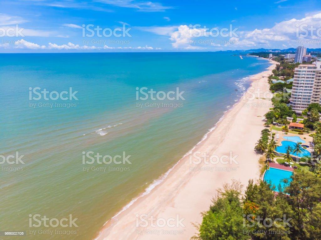 Flygfoto över stranden och havet i hua hin provinsen thailand - Royaltyfri Blå Bildbanksbilder