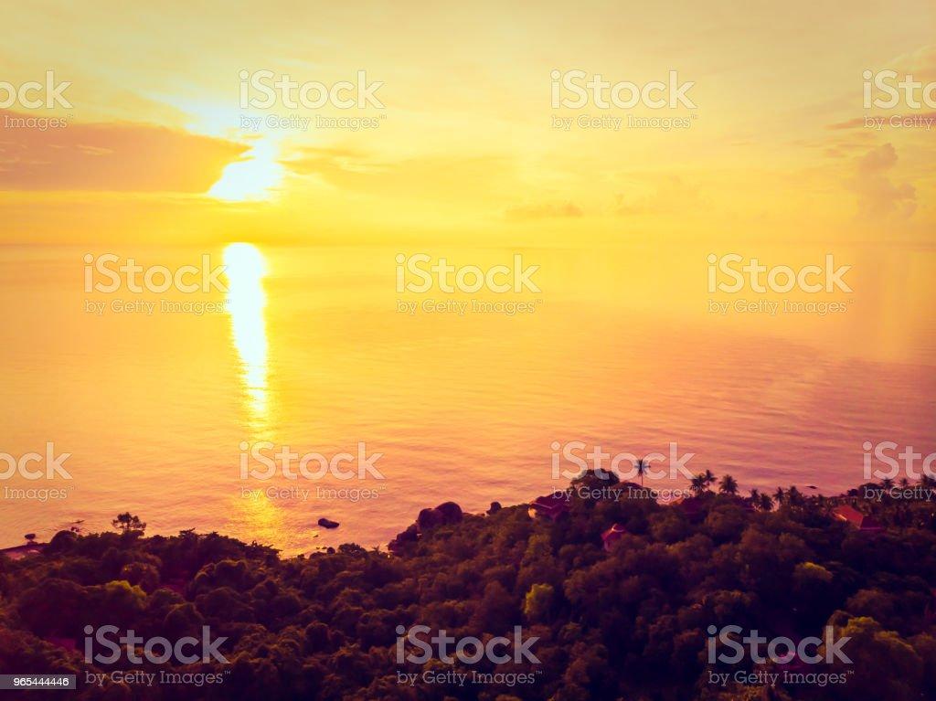 팜 코 사무이 섬에 다른 나무와 바다와 아름 다운 열 대 해변의 항공 보기 - 로열티 프리 0명 스톡 사진