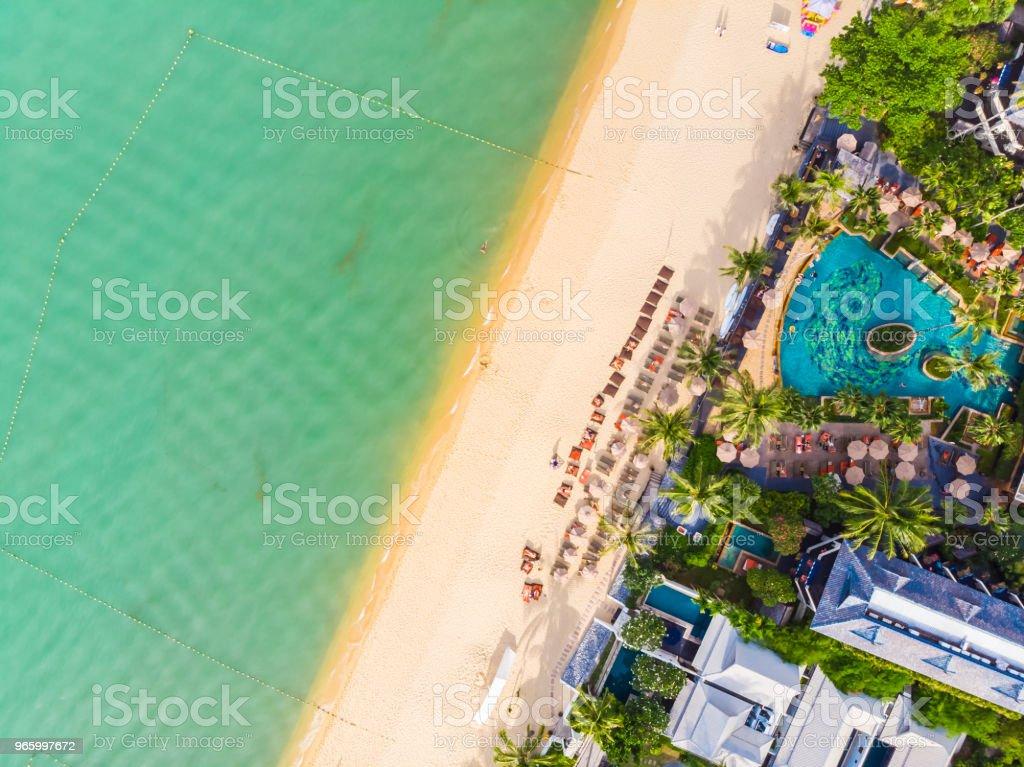 Luftaufnahme des schönen tropischen Strand und Meer mit Palmen und anderen Baum in Koh Samui Insel - Lizenzfrei Baum Stock-Foto