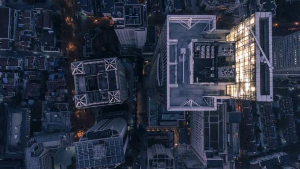Luftaufnahme der Business Area in Nangjing Rd, Shanghai, China, in der Nacht – Foto