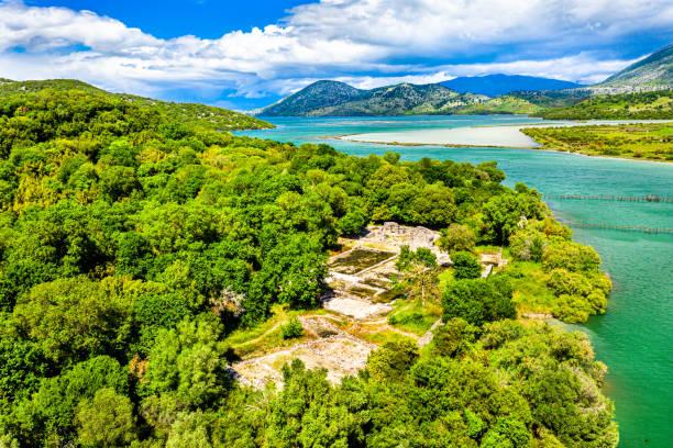 Luftaufnahme der archäologischen Stätte Butrint in Albanien – Foto
