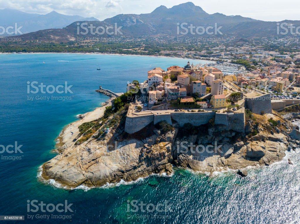 Luftaufnahme der Stadt Calvi, Korsika, Frankreich – Foto