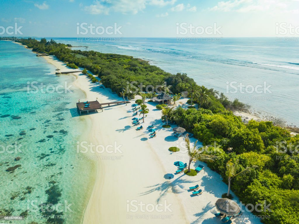 Luftaufnahme des Canareef Resort Malediven Herathera Island, Addu atoll – Foto