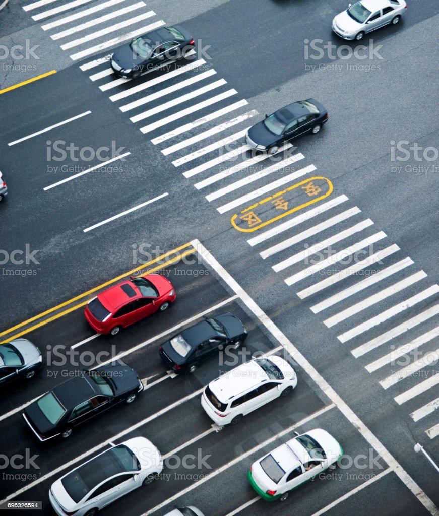 Luftaufnahme des Autos warten in einer Linie – Foto