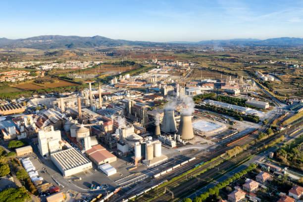 luchtfoto van de chemische industrie - industriegebied stockfoto's en -beelden